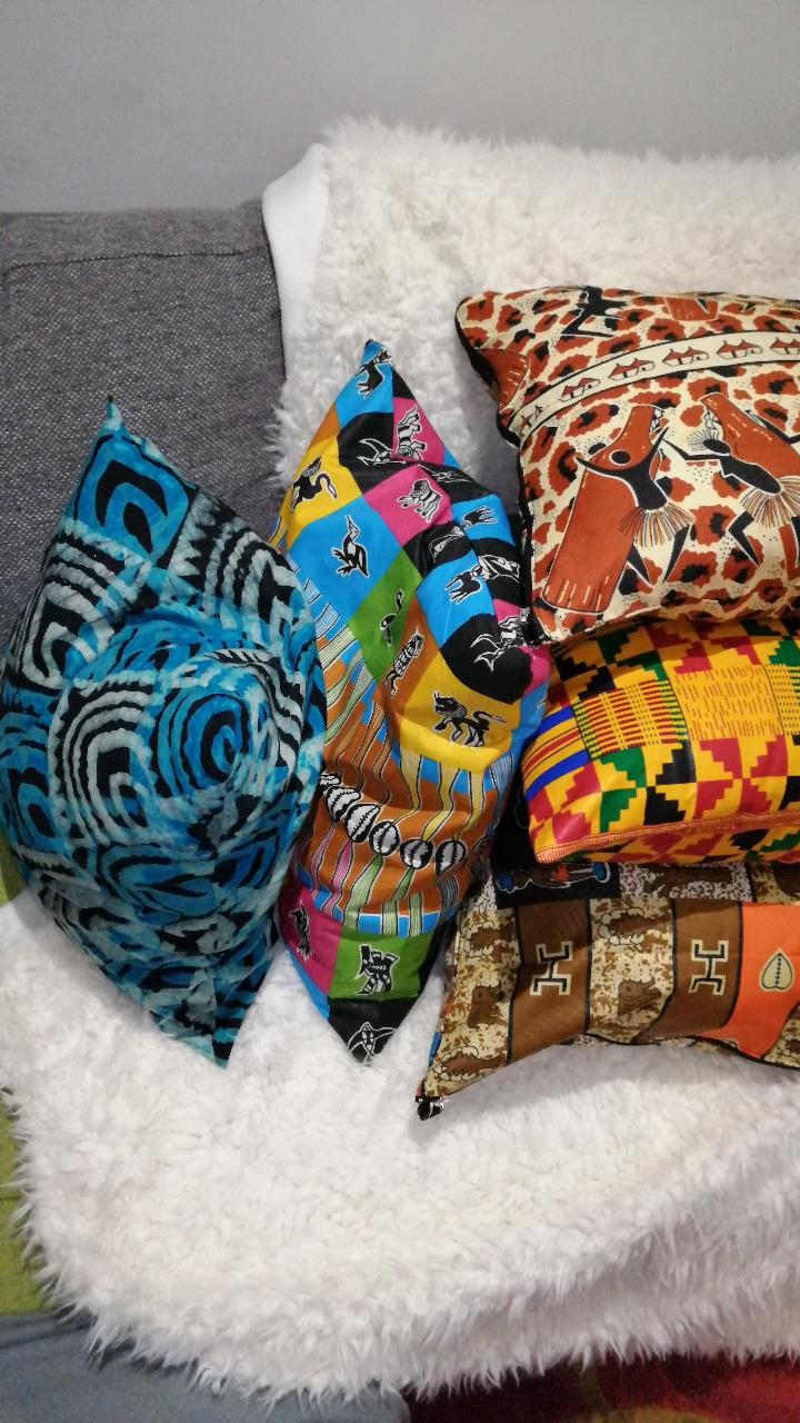 canapé avec coussins déhoussables style ethnique