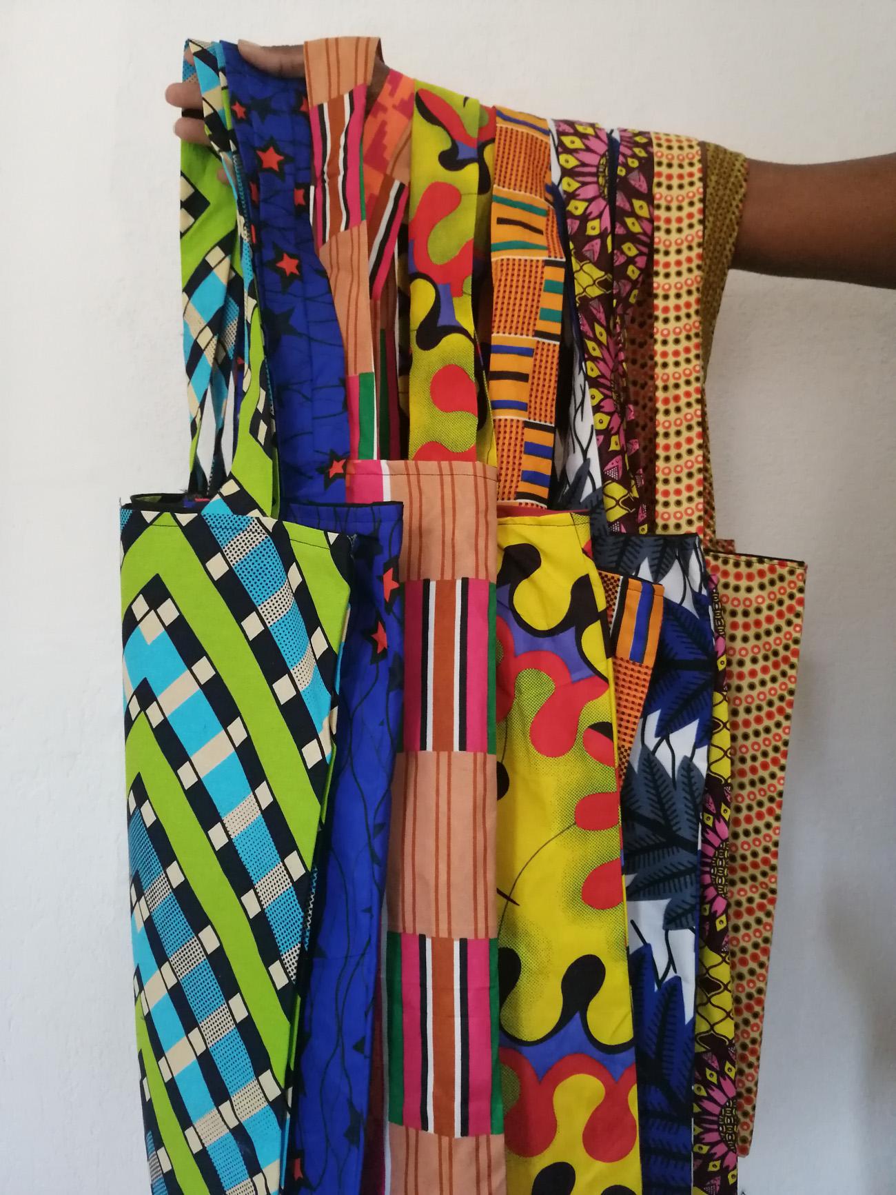 tote bag en tissu ethnique ou tissu wax