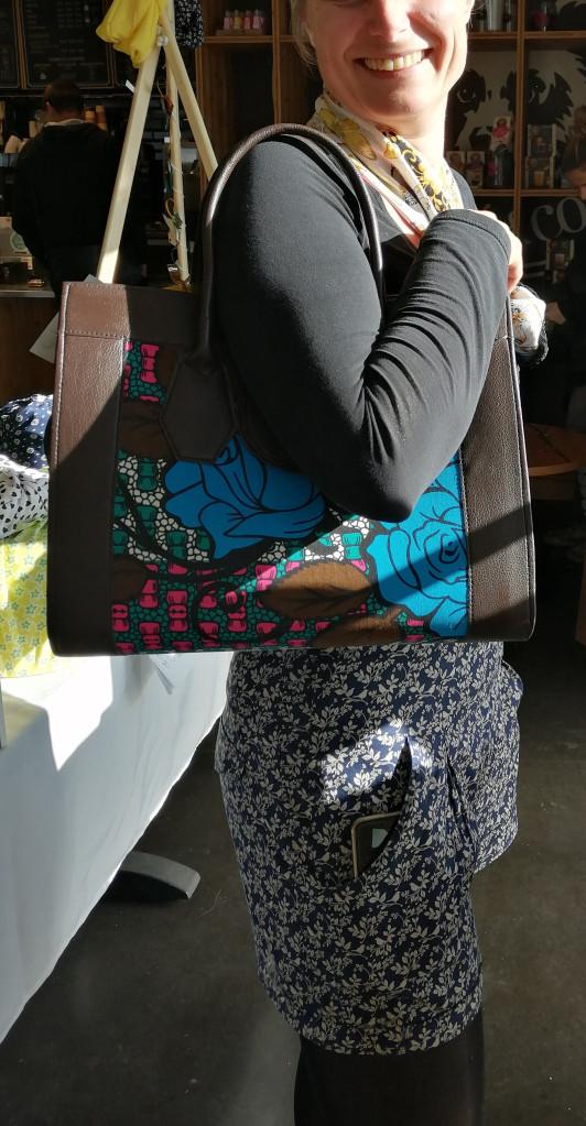 grand sac à main ou grand sac cabas en cuir et tissu wax