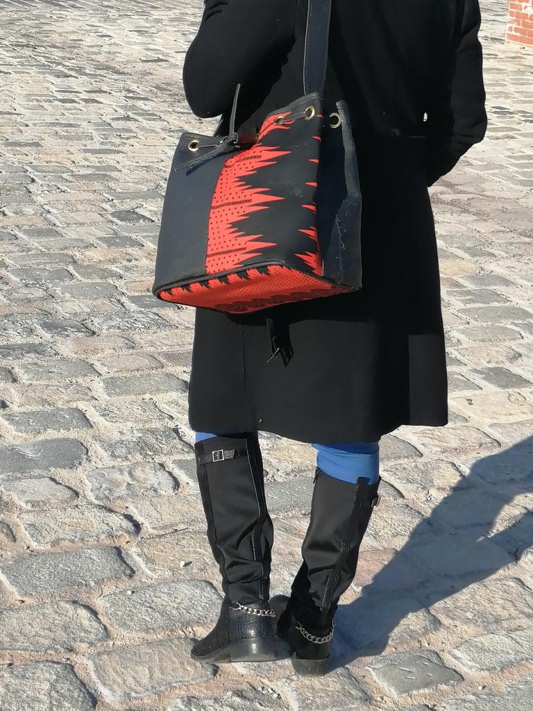 Grand sac à main ou sac cabas en cuir et tissu wax style ethnique