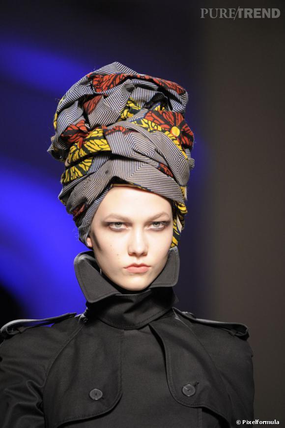 foulard ou turban en tissu wax ou tissu pagne africain, collection jean-paul gaultier