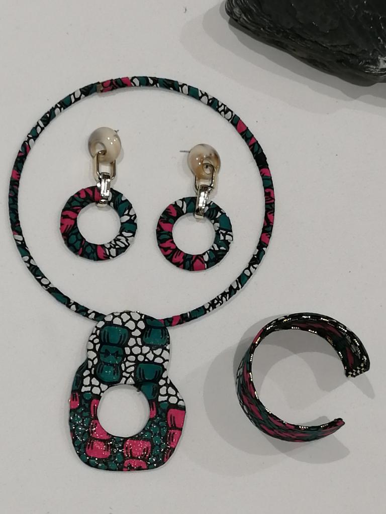 bijoux boucles d'oreilles manchette collier ethnique en tissu wax et plaqué or
