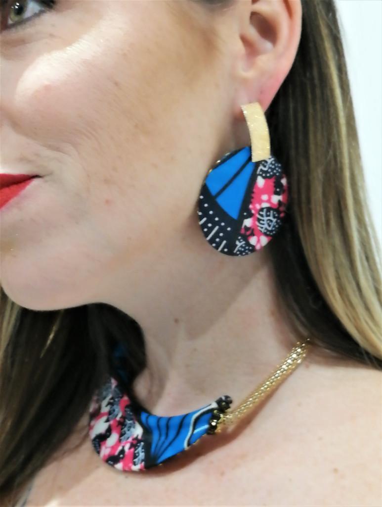 parure de bijoux ethnique boucles d'oreilles ethnique collier ras du cou ethnique et manchette ethnique