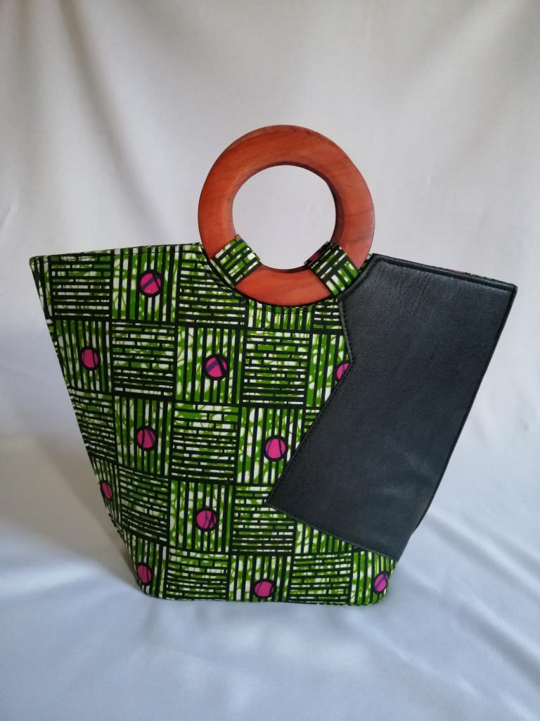 sac cabas à main style ethnique avec anses en bois hêtre cuir et tissu wax