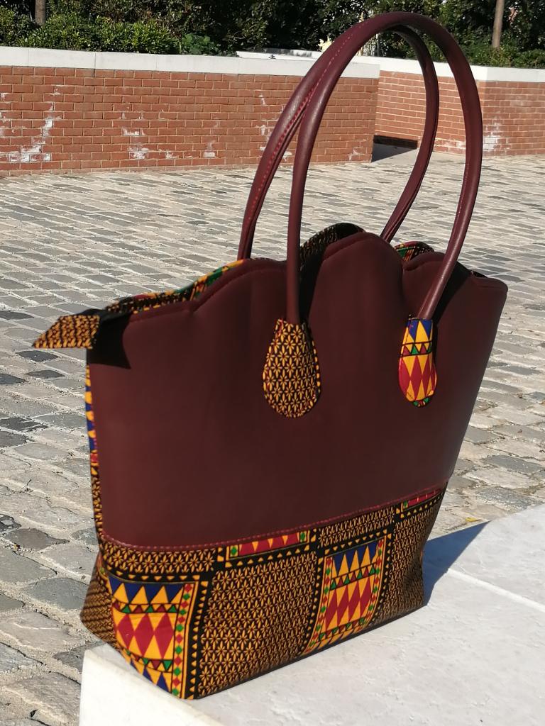 sac à main ou sac cabas style ethnique en cuir et tissu wax kenté